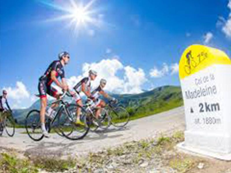 Cycling: Routes of the great Alps